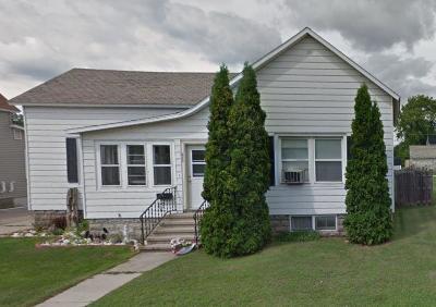 Single Family Home For Sale: 809 Marinette Avenue