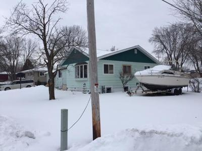 Menominee Single Family Home For Sale: 7th Street