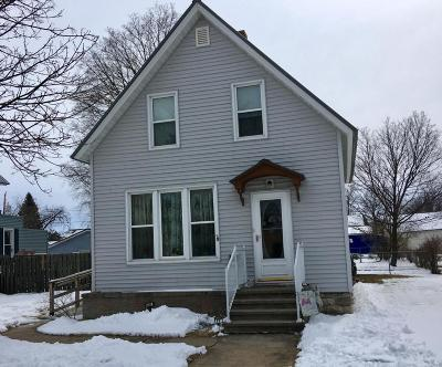 Marinette Single Family Home For Sale: 1435 Carney Boulevard