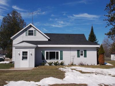 Peshtigo WI Single Family Home Pending: $163,000