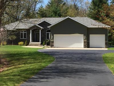 Marinette County Single Family Home For Sale: N3223 Rustic Oak Lane