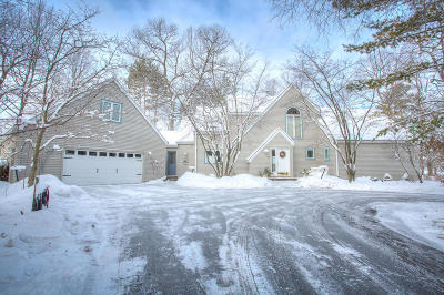 Menominee County Single Family Home For Sale: N540 W Fairland Loop