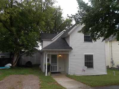Single Family Home For Sale: 322 W Lake