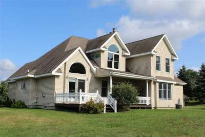 Single Family Home For Sale: 6682 Forest Way