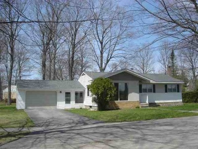 Charlevoix Single Family Home For Sale: 503 Fairway Drive
