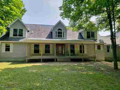 Single Family Home New: 7179 Middle Road