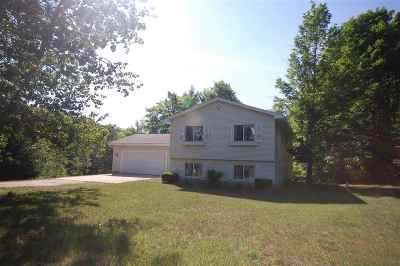 Petoskey MI Single Family Home For Sale: $237,900