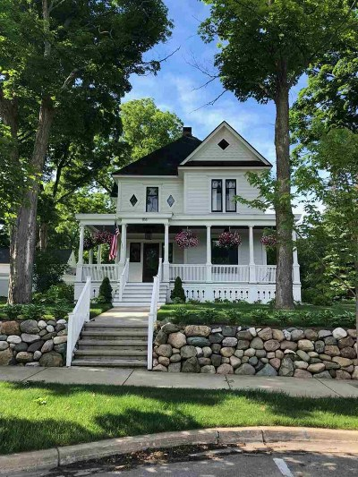 Petoskey Single Family Home For Sale: 816 E Mitchell