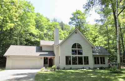 Harbor Springs Single Family Home For Sale: 3895 Pitch Bark