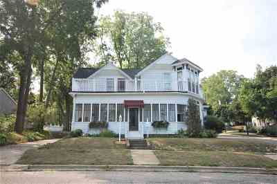 Petoskey Single Family Home For Sale: 504 Rush