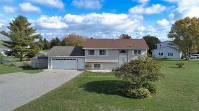Petoskey MI Single Family Home For Sale: $239,900