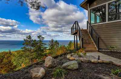 Harbor Springs Single Family Home For Sale: 5160 Seven Mile Point Ridge
