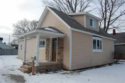 Single Family Home For Sale: 102 E Lincoln Street