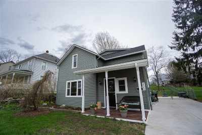 Petoskey Single Family Home For Sale: 220 Washington St