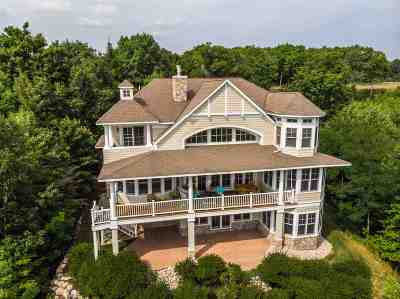 Harbor Springs Single Family Home For Sale: 8073 Ridge View Court