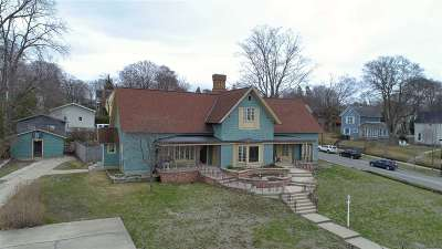 Petoskey Single Family Home For Sale: 613 E. Mitchell Street