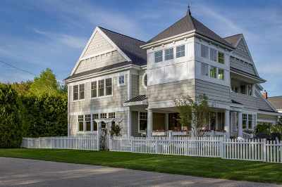 Harbor Springs Single Family Home For Sale: 2660 Pennsylvania Avenue