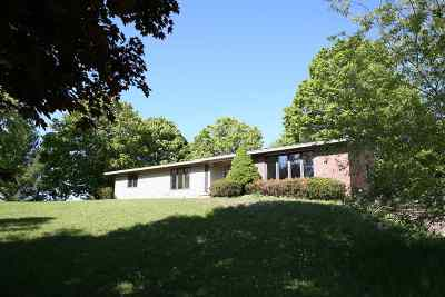 Harbor Springs Single Family Home For Sale: 5210 S State Road
