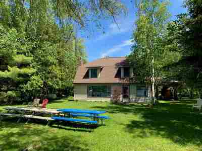 Petoskey Single Family Home For Sale: 5124 Jones Landing