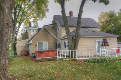 Single Family Home For Sale: 609 State