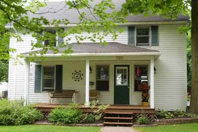 Charlevoix Single Family Home For Sale: 309 Prospect Street