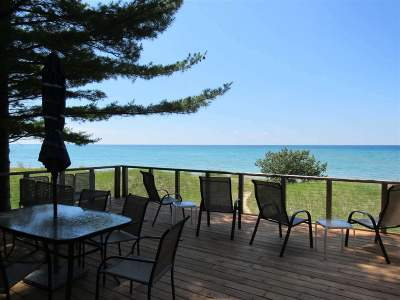 Harbor Springs Single Family Home For Sale: 3705 N Lake Shore Drive