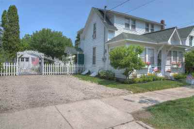 Charlevoix Single Family Home For Sale: 113 E Garfield Avenue