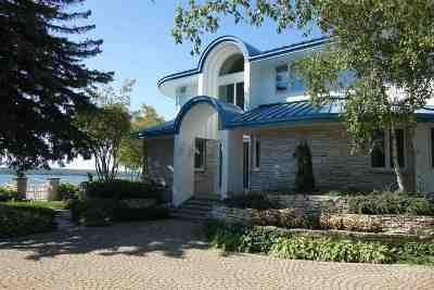 Single Family Home For Sale: 6908 Grace Street