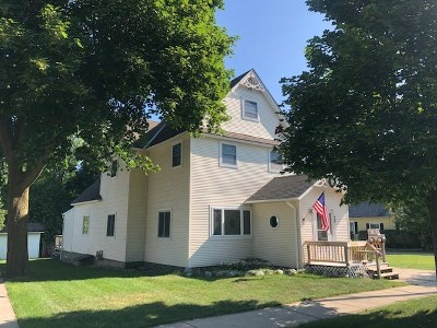 Petoskey Single Family Home For Sale: 909 E Lake Street