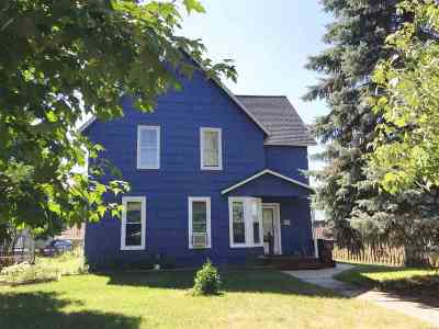 Single Family Home For Sale: 1027 Ernst St