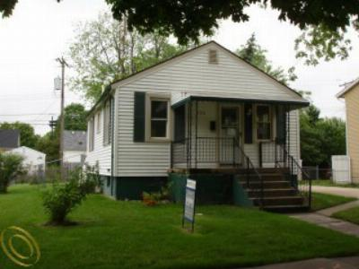 Single Family Home Sold: 720 Reisig St