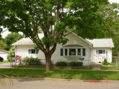 Single Family Home Sold: 1204 N Congress St