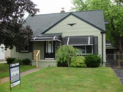 Single Family Home SOLD: 1383 Hull Ave