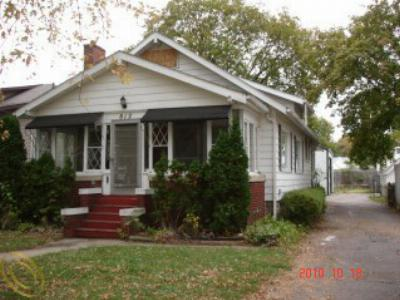 Single Family Home Sold: 812 Hubble St