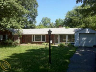 Single Family Home Short Sale: 16240 West 13 Mile Rd