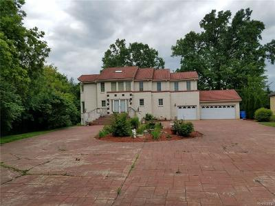 Dearborn Single Family Home For Sale: 20664 Williamsburg Road