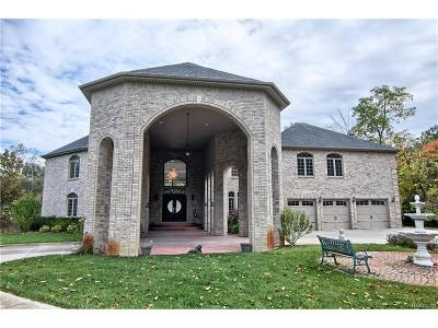 West Bloomfield Twp Single Family Home For Sale: 6691 Glenway Drive