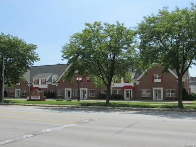 Wyandotte MI Commercial Lease For Lease: $3,906