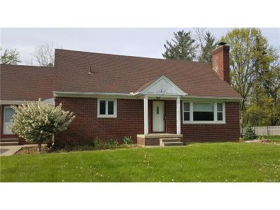 Salem, Salem Twp, Plymouth, Plymouth Twp Single Family Home For Sale: 10083 7 Mile