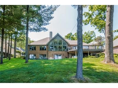 Waterford Twp Single Family Home For Sale: 4272 Blain Island Road