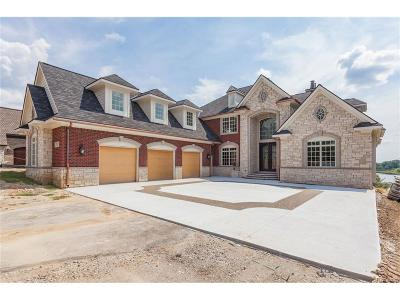 Bloomfield Twp Single Family Home For Sale: 2750 Turtle Bluff Drive
