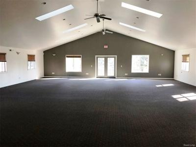 Commercial Lease For Lease: 18044 E 13 Mile Road
