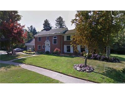 Detroit Single Family Home For Sale: 19520 Argyle Crescent