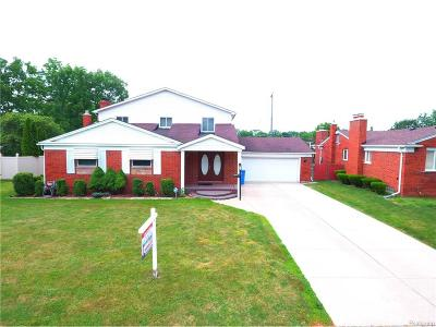 Dearborn Heights Single Family Home For Sale: 20501 River Oaks Drive