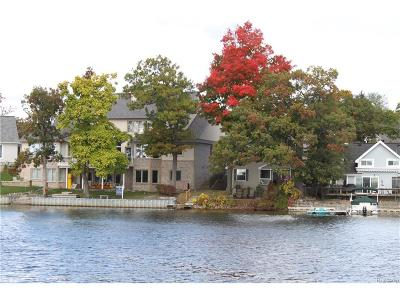 Lake Orion Single Family Home For Sale: 550 North Shore Court