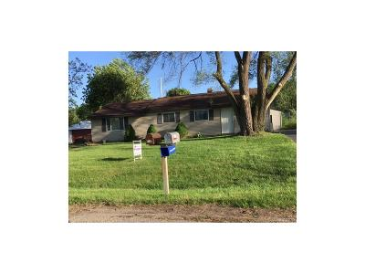 Waterford Twp Single Family Home For Sale: 5137 Farm Road