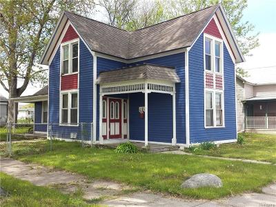 Mount Clemens MI Single Family Home For Sale: $64,900