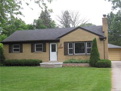 Salem, Salem Twp, Plymouth, Plymouth Twp Single Family Home For Sale: 9041 S Main Street