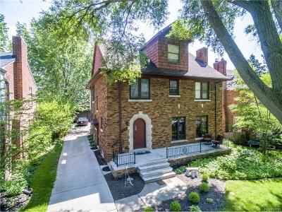 Grosse Pointe Park MI Single Family Home For Sale: $499,900