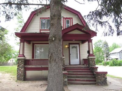 Pontiac Single Family Home For Sale: 209 Baldwin Avenue